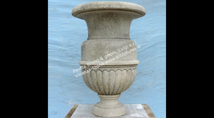 213 Fluted vase
