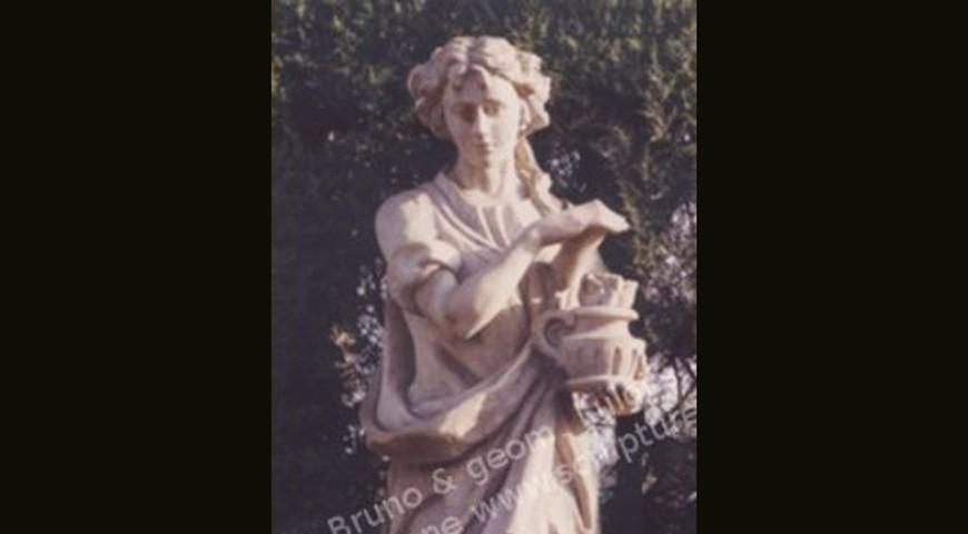 365 Winter Statue