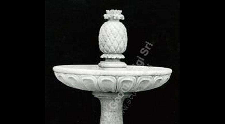 037 - Pineapple Fountain