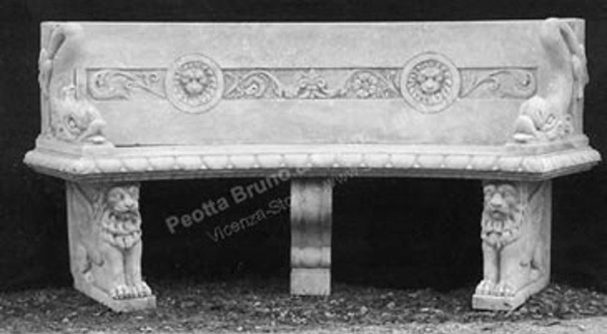 134 Bench with Lion Head