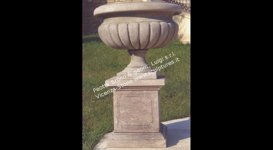 210 Vase with base