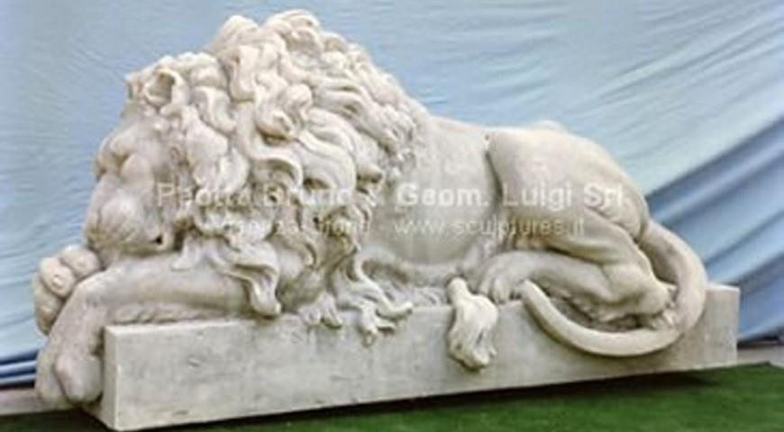 003 Canova Sleeping Lion