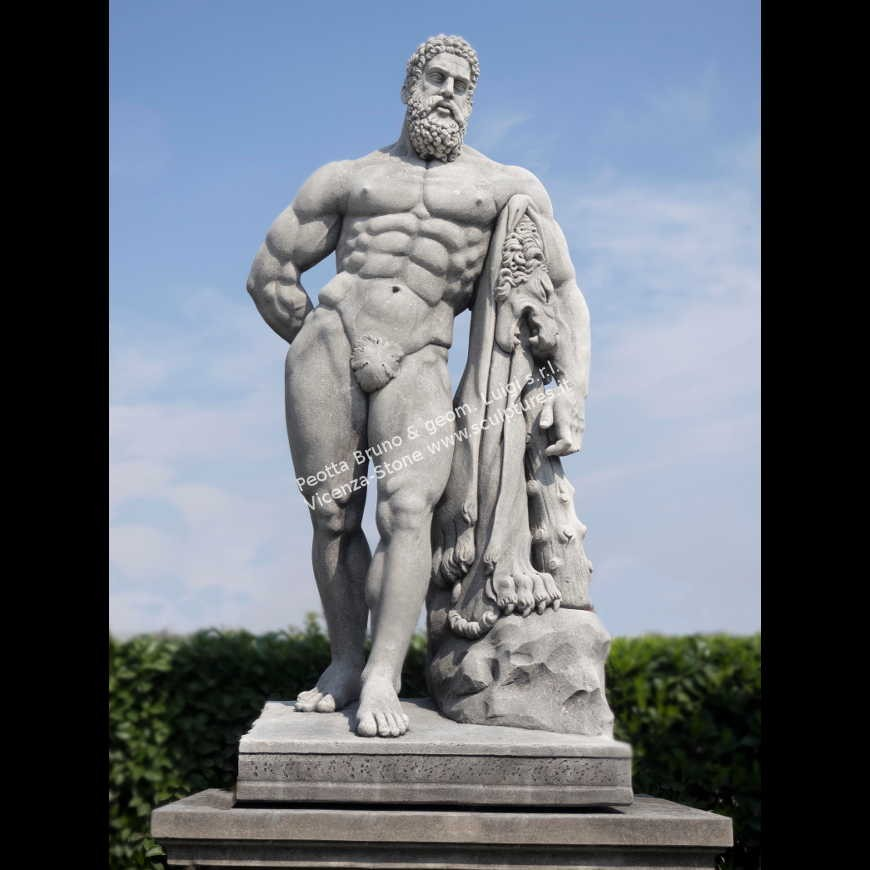 R072 Ercole Farnese Statue