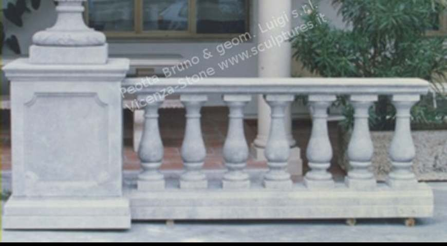 438 Balustrade with Vase