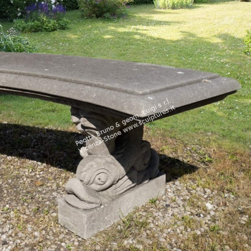 R068 Curved Bench