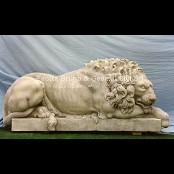 001 Canova Lion Watching