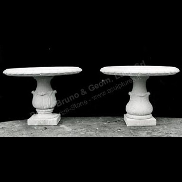 046 Round Stone Tables