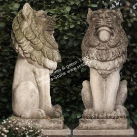 R025 Handcarved antique lions