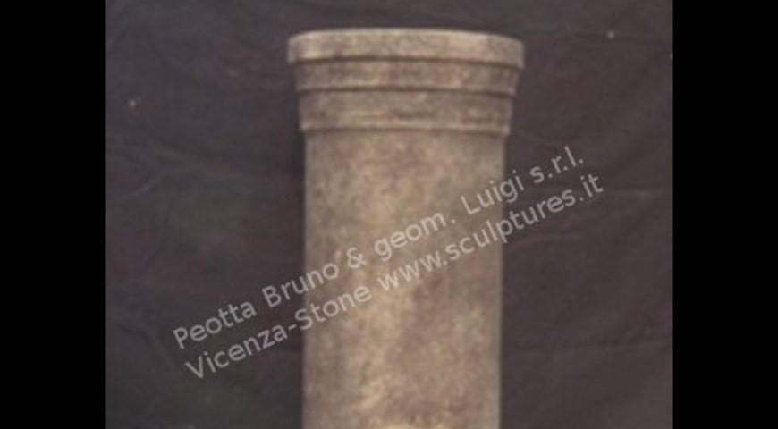 414 Base circolare in Stile Romano