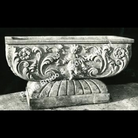 018 Putti Planter